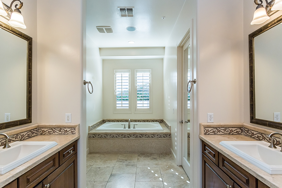 What to prioritize in a bathroom remodel glendale az for Bath remodel peoria il